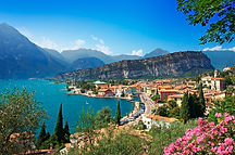 Lake-Garda-travel-920x609.png
