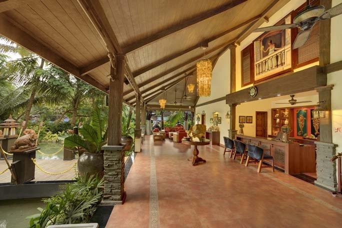 Lobby Mayfair Goa.jpg