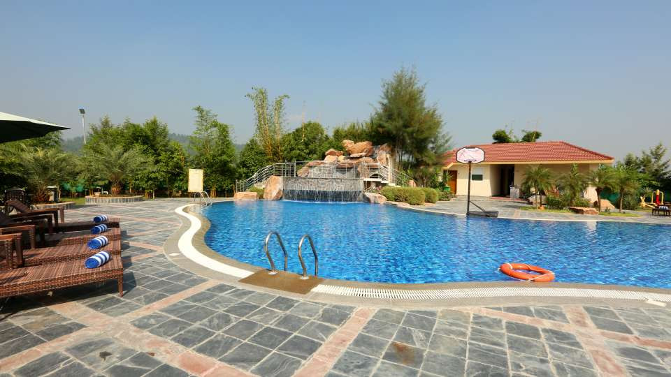 Pool_Resort_de_Coracao_Corbett_2_sofzvi.