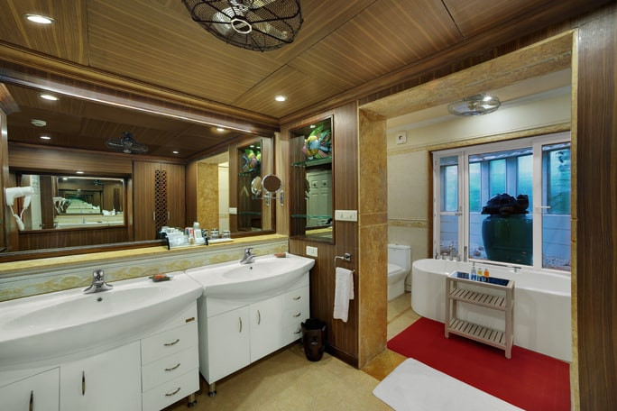 goa-bathroom.jpg