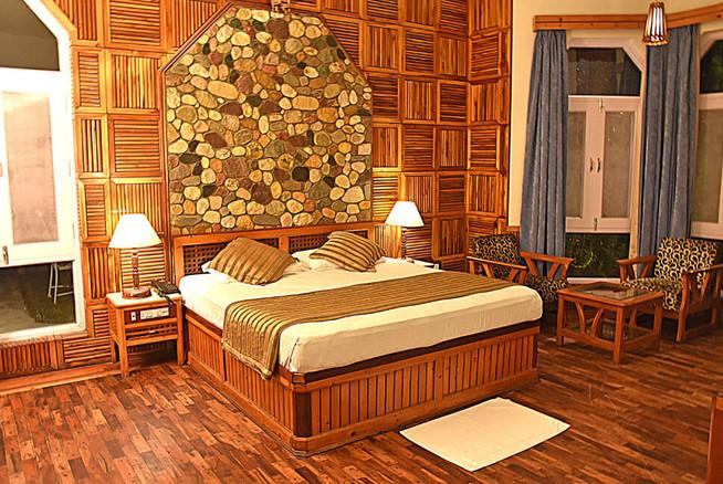 room-img1.jpg