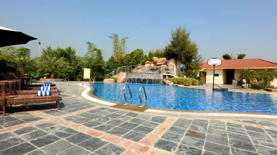 Pool_Resort_de_Coracao_Corbett_3_kjxfzt.
