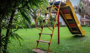 kids-play-area-2.webp