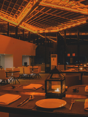 glassy restaurant.jpg