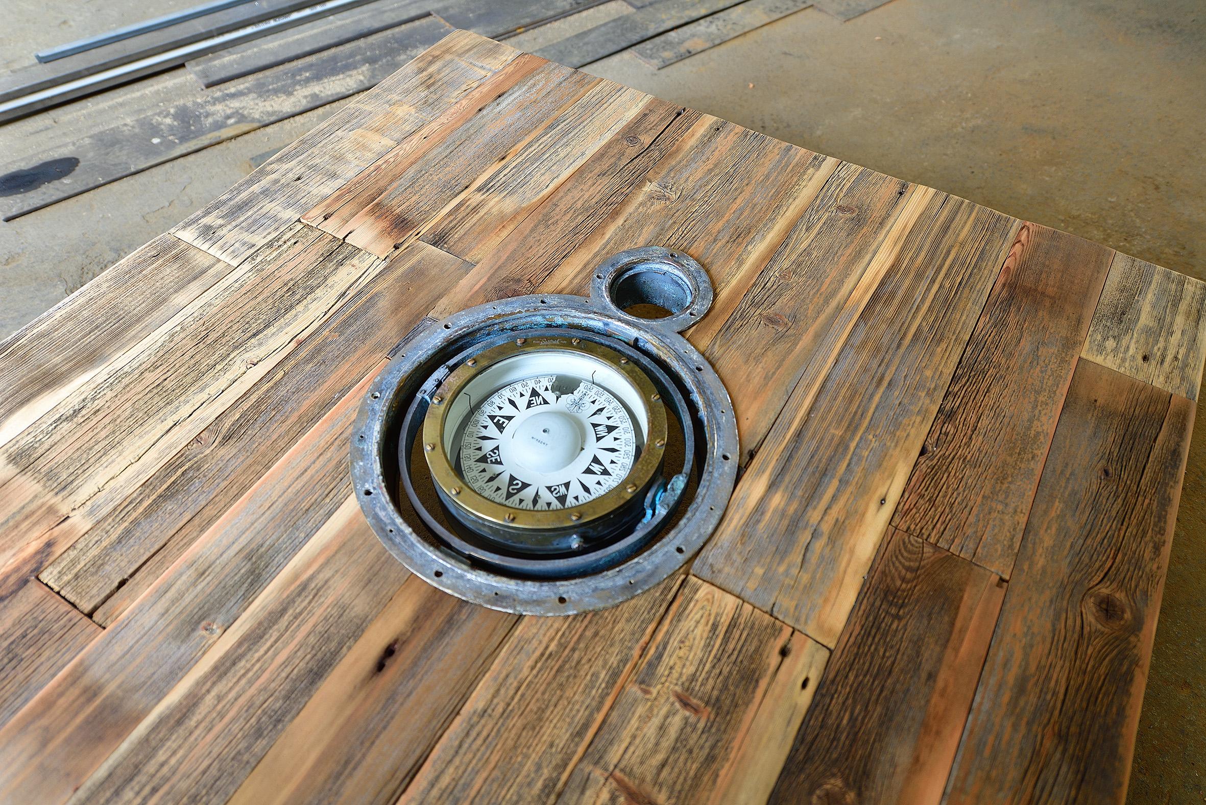 Tisch Kompass