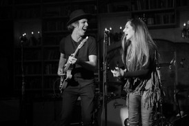 American Idol Singer Heather Youmans and guitarist Jon MacLennan during a show at The Study in Hollywood (photo: Julia Maltz)