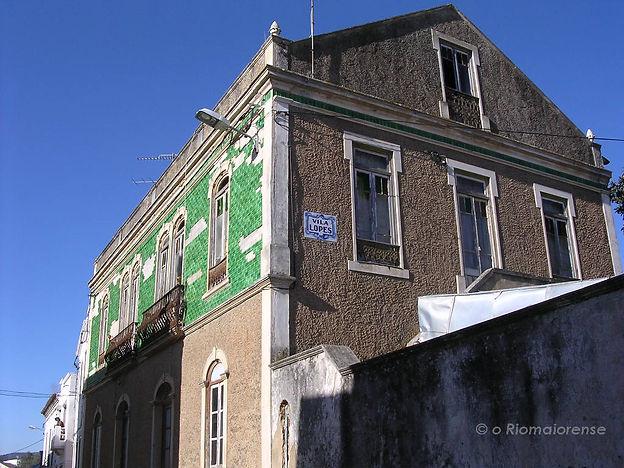 Vila Lopes, Rua do Jornal O Riomaiorense. © Nuno Rocha, 2005. Arquivo O Riomaiorense.