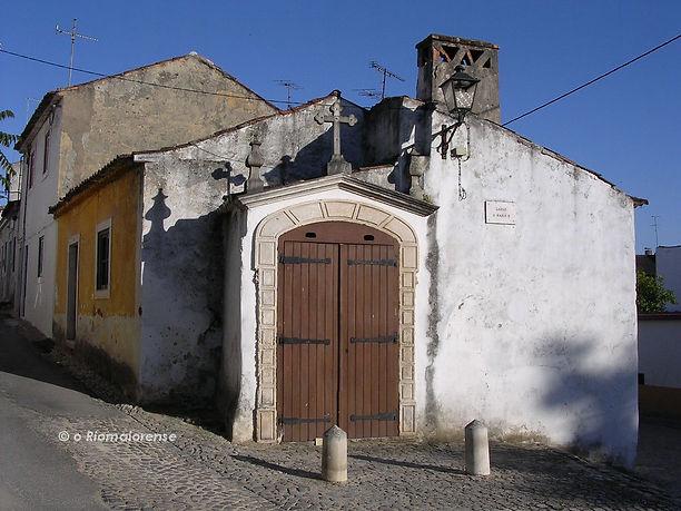 Estação da Via-Sacra. Largo D.a Maria II. © Nuno Rocha, 2005. Arquivo O Riomaiorense.