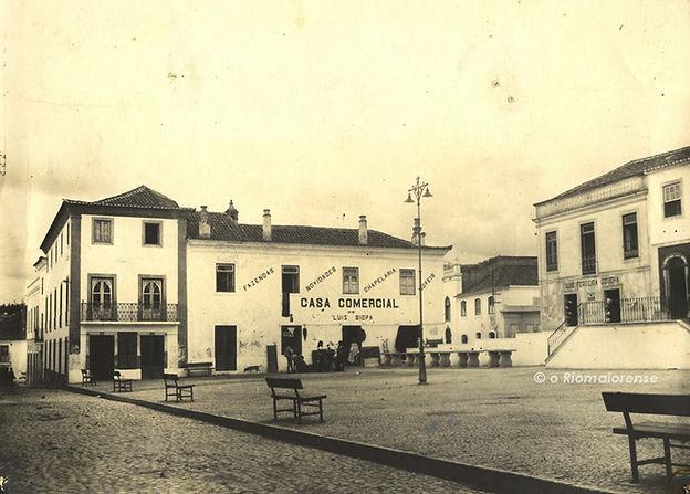 Praça do Comércio, Anos 30. © Colecção António Feliciano Júnior. Arquivo O Riomaiorense.