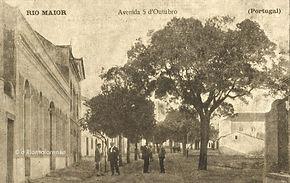 Rua 5 de Outubro, Anos 10. Bilhete-Postal Ilustrado. © Colecção António Feliciano Júnior. Arquivo O Riomaiorense.