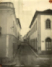 A Rua Direita nos anos trinta. © Colecção António Feliciano Júnior. Arquivo do jornal O Riomaiorense.