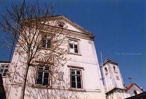 Antiga Escola de Instrução Primária de Rio Maior. Edifício construído por João José da Costa, coadjuvado pela Câmara Municipal, em 1878. © Nuno Rocha, 1999. Arquivo O Riomaiorense.