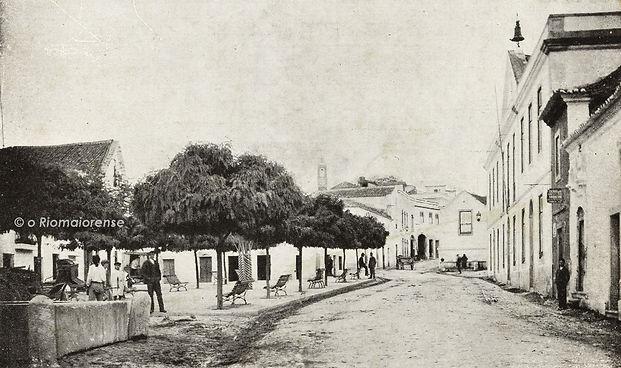 Largo da República, Anos 10. Bilhete-Postal Ilustrado. © Colecção António Feliciano Júnior. Arquivo O Riomaiorense.