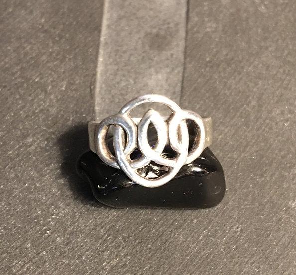 Sterling Silver (.925) Oval Loop Ring