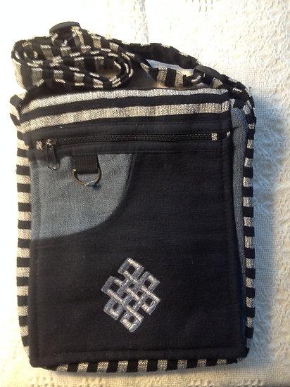Lg. Black Endless Knot Shoulder Bag