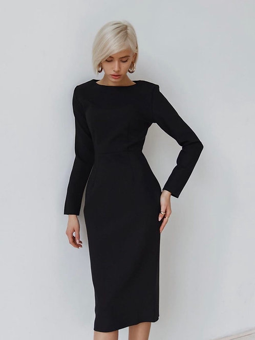 Платье футляр в черном цвете