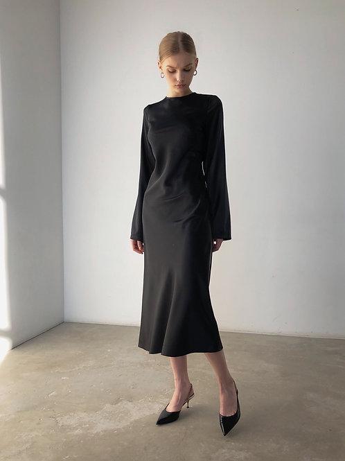 Платье с вырезом на спине и лентами
