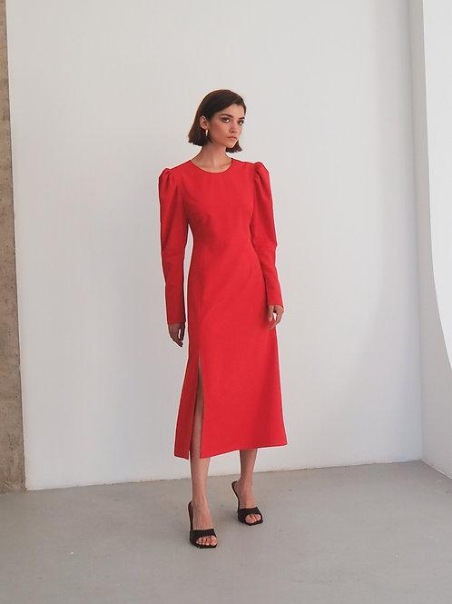 Платье с объемными рукавами в красном цвете