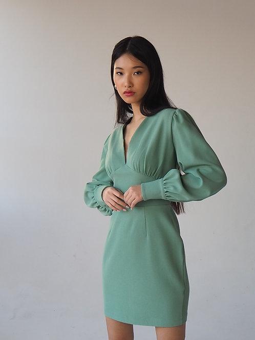 Платье с объемными рукавами в цвете полынь