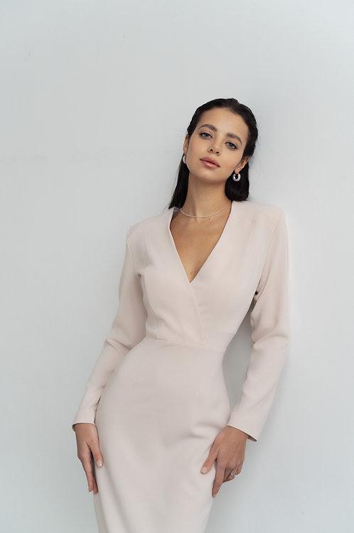 Силуэтное платье миди в цвете французская ваниль
