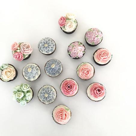 Advance floral cupcakes