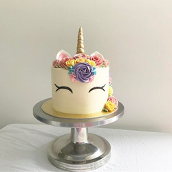 The Buttercream Floral Unicorn 🦄 Here's a 7inch version