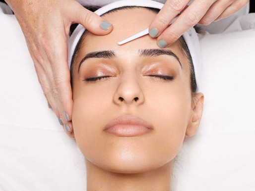 5 Reasons to Consider Dermaplaning