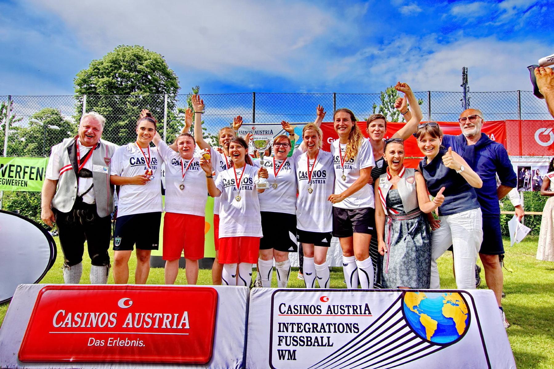 Platz 1. Deutschland Damen 2016 (FILEminimizer)