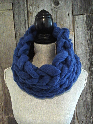 Big Stitch Snood in Electric Blue