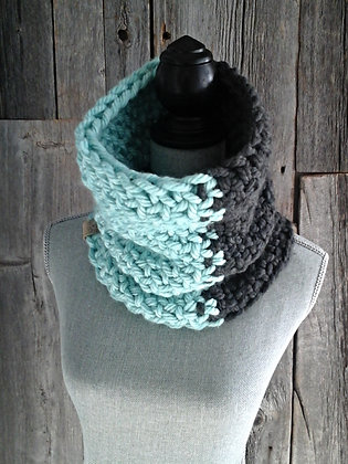 Splash of Colour Cowl