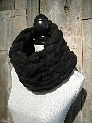 Big Stitch Snood in Black