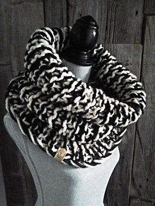 Black n' White Cowl