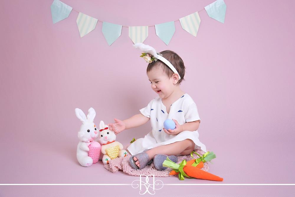 Helô desejando feliz Páscoa