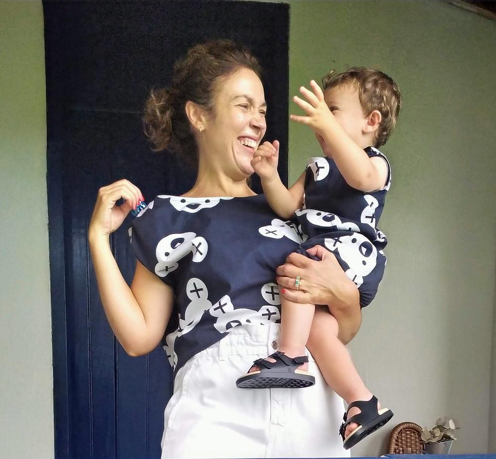 Meu pequeno e eu vestindo look Alícia mãe e filho