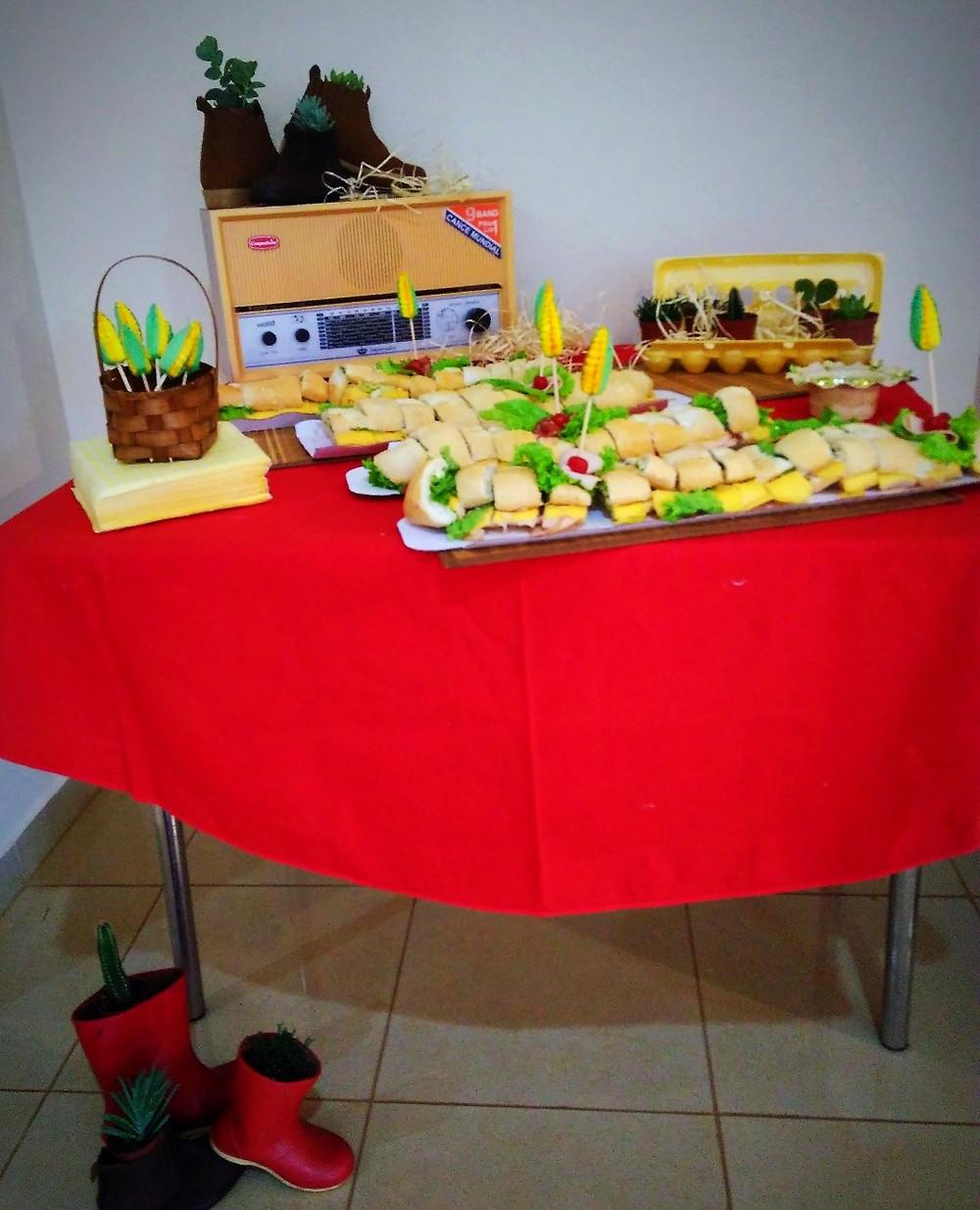 mesa decoração festa infantil , fazendinha, animais