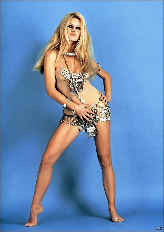 big-1969-brigitte-bardot-sexy-blonde-1