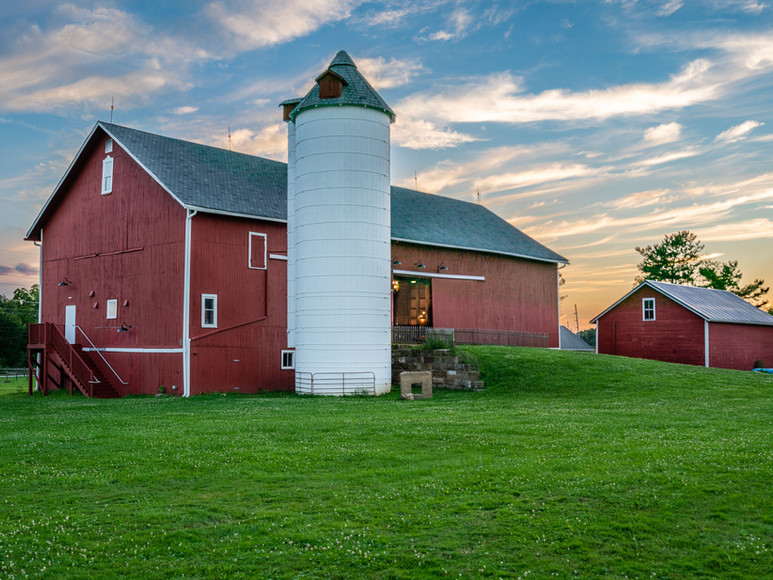 Case-Barlow Farm Barn with Silo
