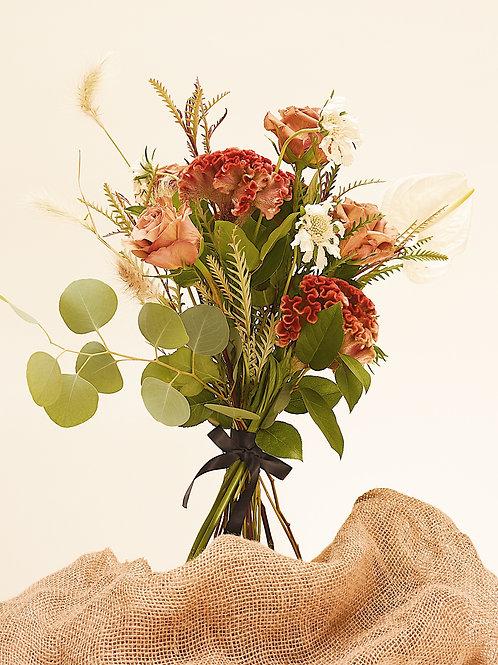 OLIVEE Floral Bouquet: Neutral