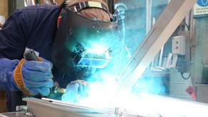 Covid-19 규제 완화로…'제조업 부문 반등'