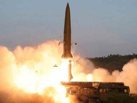북한, 동해상으로 탄도미사일 추정 발사체 2발 발사