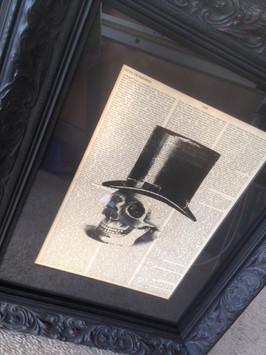 Skull, black ornate custom frame