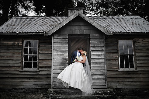 rustic house wedding photography