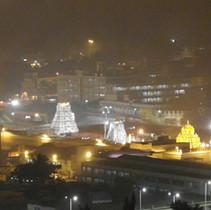 Tempelanlage in der Kartikvollmondnacht