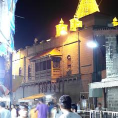 Blick zum Tempel