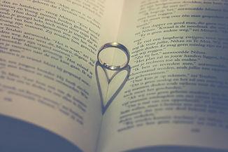年間9700人成婚.jpg