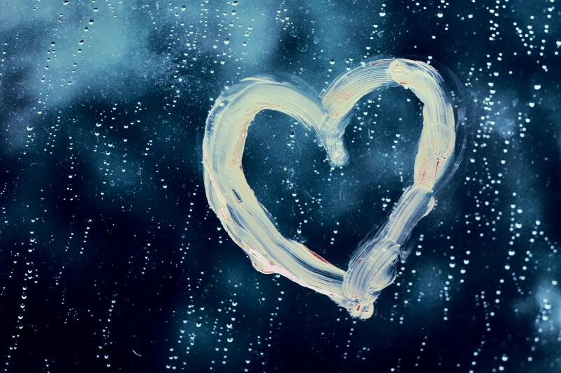 rainy_heart_by_ravis_sante.jpg