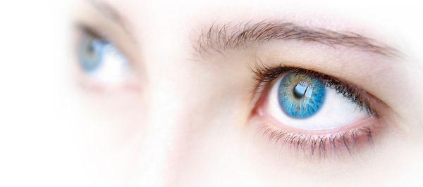 photodune-2758661-blue-eyes-s_edited.jpg