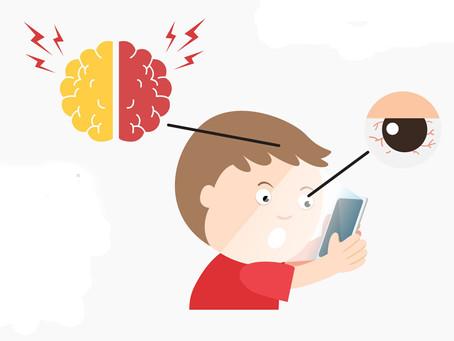 Kinder-Finger weg vom Smartphone!