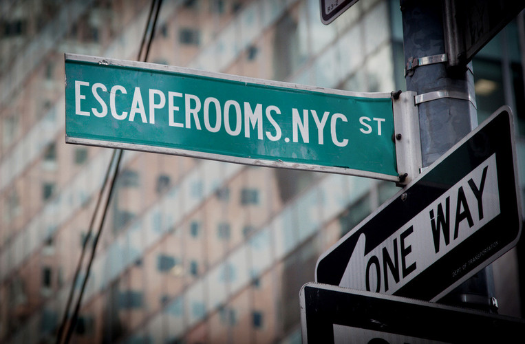 ESCAPE ROOMS NYC SIGN.jpg