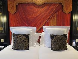 twin beds le belmond.jpg